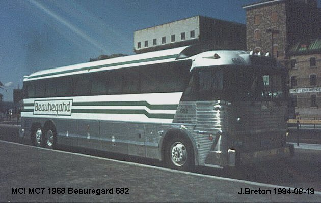 BUS/AUTOBUS: MCI MC 7 1968 Beauregard