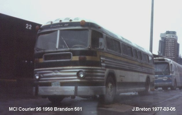 BUS/AUTOBUS: MCI Courier 96 1958 Brandon