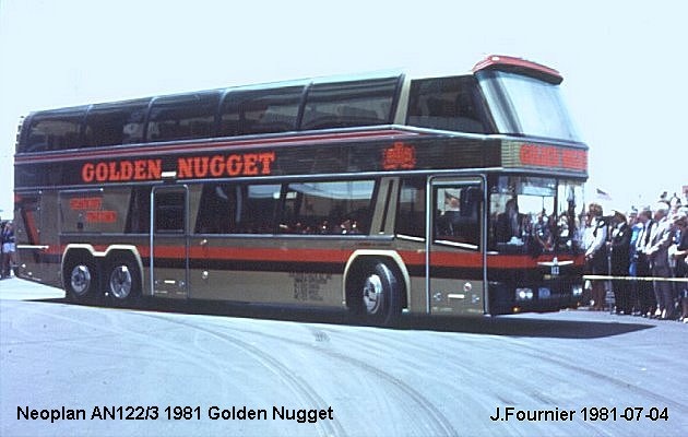 BUS/AUTOBUS: Neoplan AN 122/3 1981 Golden Nugget