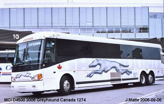 BUS/AUTOBUS: MCI D4500 2006 Greyhound (Canada)