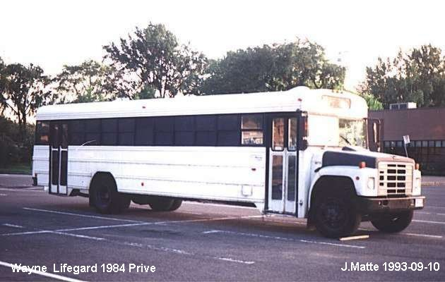 BUS/AUTOBUS: Wayne Lifeguard 1984 Prive