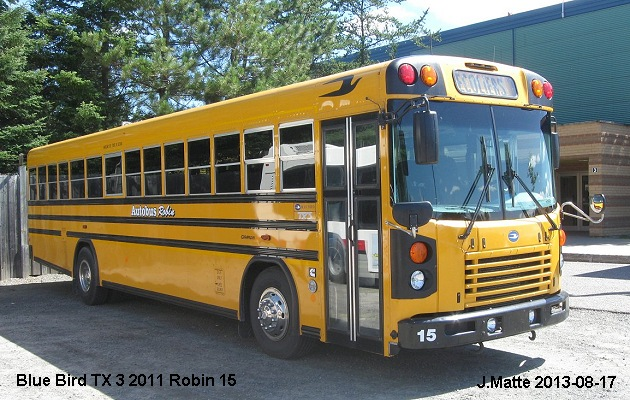 BUS/AUTOBUS: Blue Bird TX 3 2012 Robin