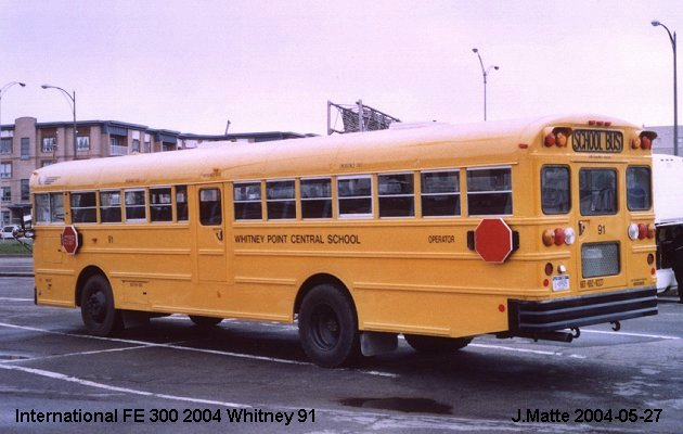 BUS/AUTOBUS: International FE 300 2004 Whitney